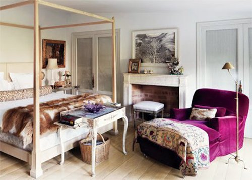 bedroom decor with seating space