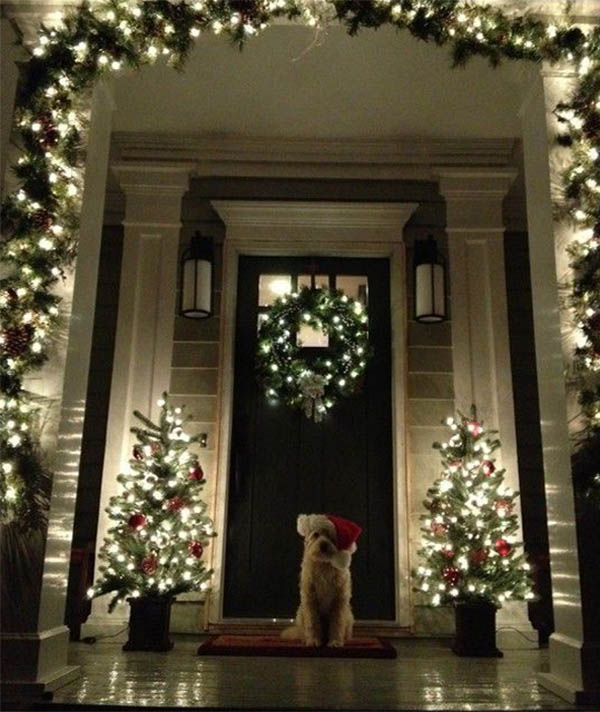 entryway design for christmas