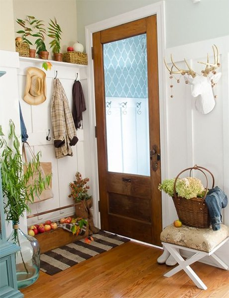 Small Home Foyer : Image gallery small entryway