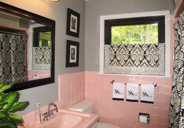 Small Pink Bathroom Design