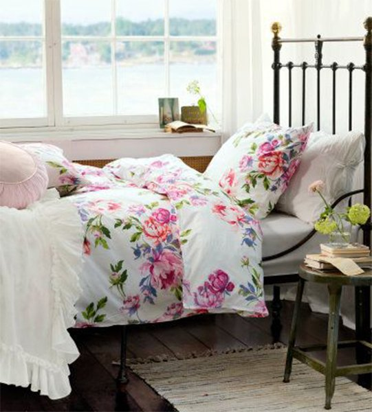 very charming romantic bedroom for couples