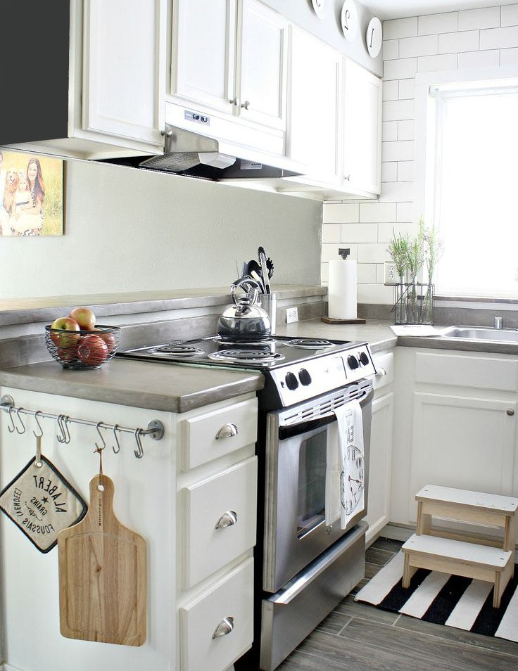 White Small Kitchen Designs
