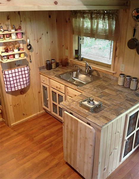 Small kitchen decoration ideas for Very small kitchen designs pictures