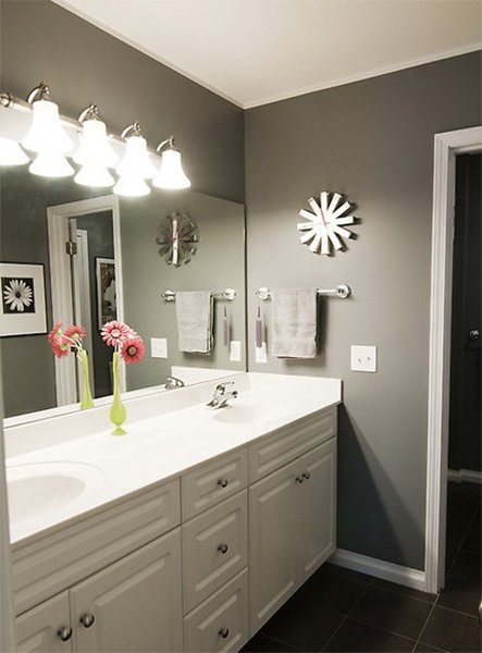 white and black colored bathroom