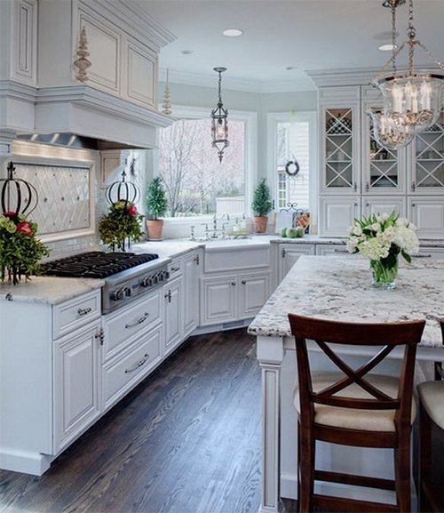 white traditional kitchen design
