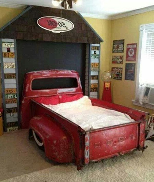 Decorate kids room as story books for Vintage car bedroom ideas