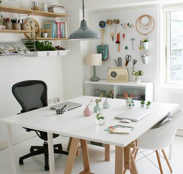 white home office decoration