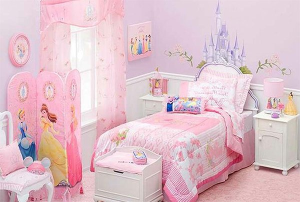 Exciting ideas for girls bedroom decoration for Princess themed bed