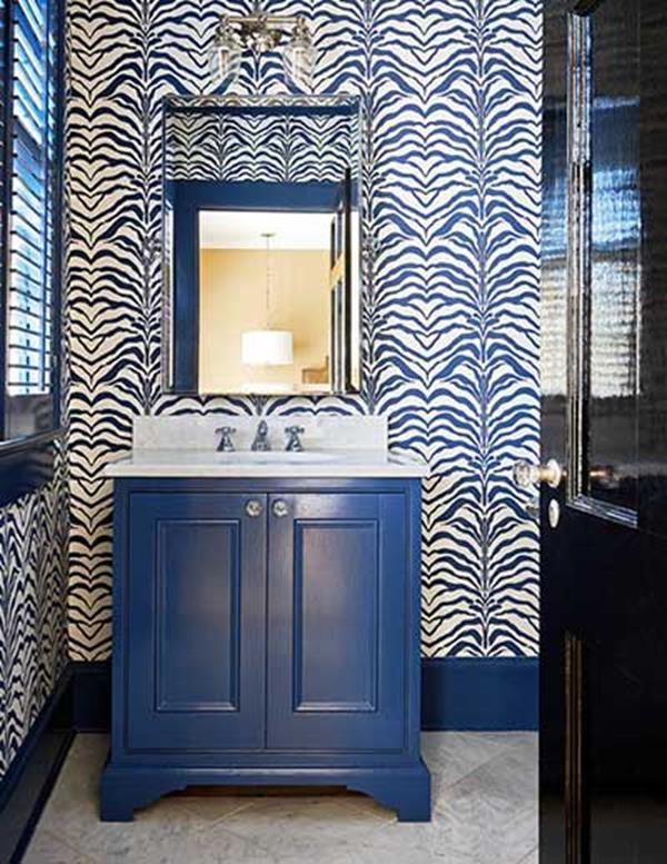 Blue and White Bathroom Decoration 15