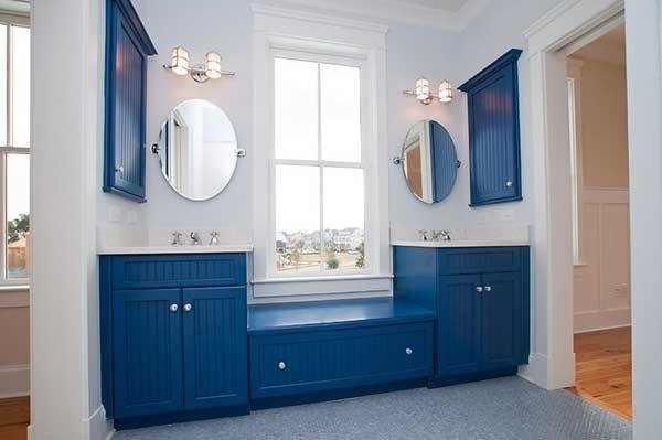 Blue and White Bathroom Decoration 19