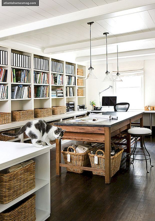 30-home-office-space-with-rustic-design-5bd6e9e6cf73c