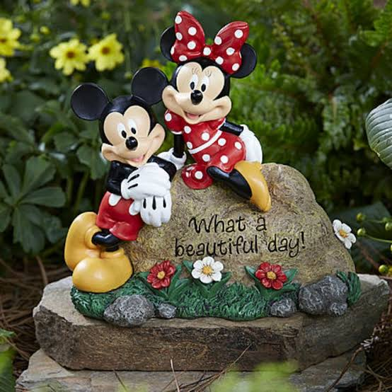 disney-garden-decorations